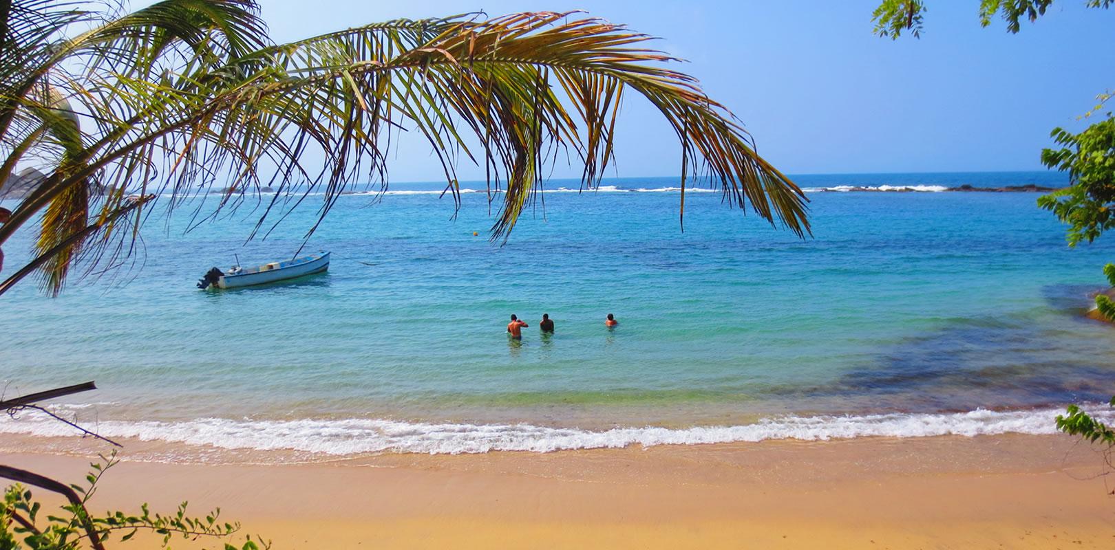 Recorriendo el mar turquesa del caribe colombiano 1
